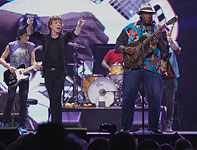 The Rolling Stones on stage with Taj Mahal, Chicago, United Center, May 28 2013