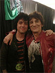 Ronnie: So great to see BJA official backstage at the gig tonight ~ enjoy the gig Billie Joe!